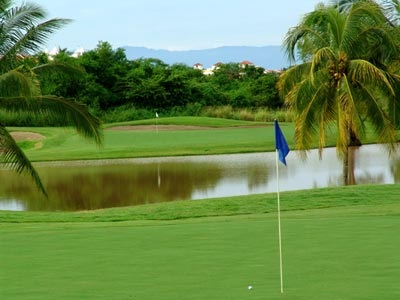sayulita golf course lake