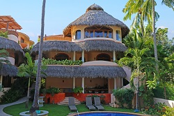 Pavo Real beachfront vacation rental in the Las Hamacas complex on Sayulita's north side