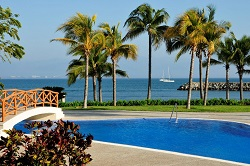Oceanside pool at B Nayar Sayulita Beach Clubs