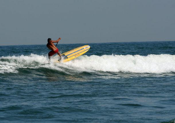 sayulita stand up paddle sea wave